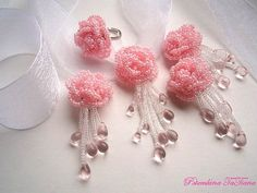 Rosas  Комплект из бисерных роз  Love these for earrings and pendant on organza ribbon.