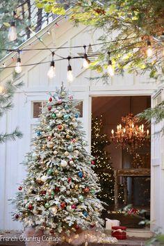 Vintage White Christmas, Silver Christmas, Christmas Colors, Rustic Christmas, Christmas Decorations, Holiday Decor, What Is Christmas, Christmas Past, Xmas