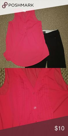 Fushia Blouse Fushia sleeveless top. Excellent condition. Fits like a small. Merona Tops Blouses