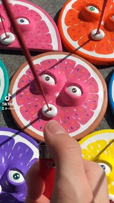 Diy Incense Holder, Ceramic Incense Holder, Polymer Clay Crafts, Diy Clay, Dou Dou, Clay Art Projects, Clay Paint, How To Make Clay, Cute Clay