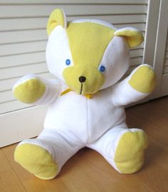 Free sew tutorial for teddy bear - click link on middle of page to find it