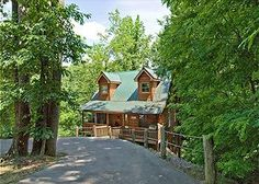 A Place to Remember Cabin/Chalet, Sleeps 10 and is PET FRIENDLY.  You wont soon forget your time at this beautiful Smoky Mountain cabin, which is located between Gatlinburg and Pigeon Forge.This 3 story, true log cabin offers all the comforts of home, but with the amenities we all desire. #petfriendly #gatlinburgcabin #smokymountains