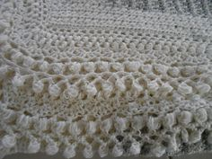 flocons... Crochet, Blanket, Inspiration, Lace Trim, Flakes, Biblical Inspiration, Ganchillo, Blankets, Crocheting