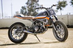 Image from http://www.rolandsands.com/wp/wp-content/uploads/2014/03/RSD-KTM-690-Tracker-1.jpg.