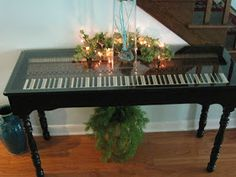 Repurposed For Life: Piano keyboard made into a table