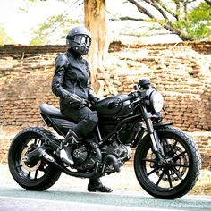 Rider Girl on Ducati Scrambler Café Racer Ducati Cafe Racer, Ducati Scrambler Custom, Cafe Racer Bikes, Cafe Racer Motorcycle, Motorcycle Style, Biker Style, Motorcycle Gear, Custom Motorcycles, Custom Bikes