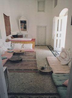 Insides: Greek Homes