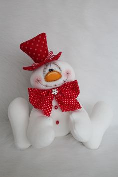 Christmas Sewing, Christmas Gnome, Christmas Crafts, Felt Snowman, Snowmen, Primitive Doll Patterns, Christmas Angel Ornaments, Country Christmas Decorations, Crochet Decoration