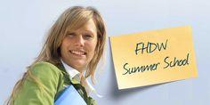 Summer School: Unternehmer für eine Woche -  Und was machen Sie nach der Schule? Orientierung gibt die FHDW Summer School! Schülerinnen und Schüler können ausprobieren, wie das ist, Unternehmer zu sein. Erfahrene Dozenten der FHDW machen sie mit den wichtigsten Faktoren vertraut, die zum Rüstzeug jedes Unternehmers gehören und in der Praxis über Erfolg und Misserfolg entscheiden.