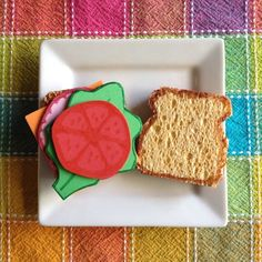 Quick Craft: Pretend Sandwich Set @Valerie at Inner Child Fun LOVE this craft! Gonna make this for my kids for Christmas.