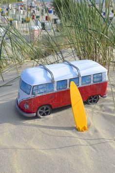 a6f2b614416 Display   My holiday impressions with the 3D Puzzle Volkswagen T1 by  Ravensburger