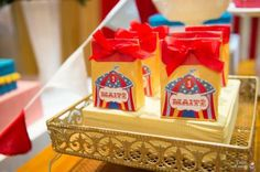 circus-themed-party-treat-bags
