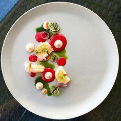Prawns, beet, walnut yuzukosho, arugula oil, fennel blossoms by @karloevaristo…