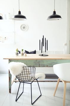 If you want to add a special touch to your Scandinavian dining room lighting design, you have to read this article that is filled with unique tips. Dining Room Inspiration, Interior Design Inspiration, Design Ideas, Style Inspiration, Luxury Homes Interior, Home Interior Design, Nordic Interior, Kitchen Interior, Room Interior