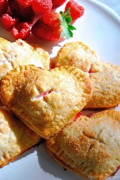 Perfect for Valentine's Day, these strawberry raspberry hand pies are the ideal combination of sweet and tart with a buttery, flakey crust. Fried Hand Pies, Strawberry Hand Pies, Pie Recipes, Cooking Recipes, Valentines Day Desserts, Sweet Pie, Desert Recipes, Cupcake Cakes, Cupcakes