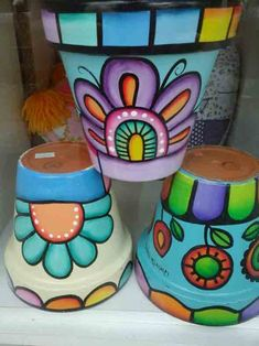 Art of painting pots - Diy How to Crafts Flower Pot Art, Flower Pot Design, Flower Pot Crafts, Painted Plant Pots, Painted Flower Pots, Clay Pot Projects, Clay Pot Crafts, Pots D'argile, Clay Pots