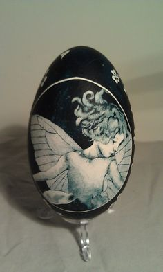 Fairy Children - Etched Goose Egg w/ Fairy Children Faces