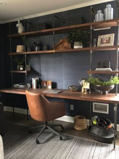 55 Incredible DIY Office Desk Design Ideas and Decor 27 - Home Decor Ideas 2020 Mesa Home Office, Diy Office Desk, Home Office Space, Home Office Desks, Office Free, Office Spaces, Office Setup, Bedroom Office, Basement Office