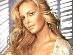 I love the natural bronzed make up look for every day wear....