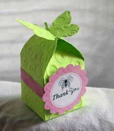 Materiales gráficos Gaby: Caja de regalo manualidad