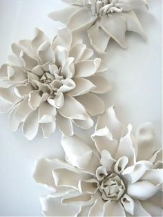 Inspired by flowers in bloom, our Porcelain Clematis is handcrafted by skilled ceramic artists in. Ceramic Wall Art, Ceramic Clay, Porcelain Ceramics, Ceramic Pottery, Fine Porcelain, Porcelain Tiles, Painted Porcelain, Ceramic Plates, Hand Painted