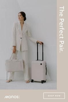 Minimalist Wardrobe, Minimalist Fashion, White Outfits, Classy Outfits, Work Wardrobe, Capsule Wardrobe, Lawyer Outfit, Business Outfits, Travel Essentials
