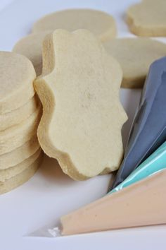 Best cookies for soft and holding shape. The Perfect Almond Vanilla Rollout Cookies Sugar Cookie Cutout Recipe, Almond Sugar Cookies, Best Sugar Cookies, Fancy Cookies, Iced Cookies, Yummy Cookies, Cookies Et Biscuits, Vanilla Cookies, Royal Icing