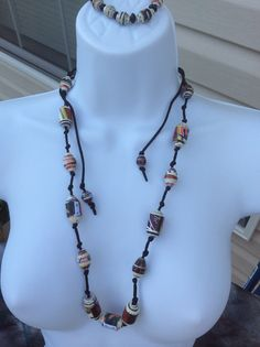 Paper bead knotted necklace and stretch bracelet
