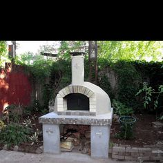 Home pizza ovens gallery photographed at homes throughout the world. These pizza oven photos serve to provide inspiration and instruction for those planning to build their dream outdoor kitchen using a Forno Bravo pizza oven.