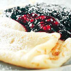 Traditional Swedish Pancakes (<i>Pannkakor</i>) // use gf flour and hope for the best? Crepe Recipes, Brunch Recipes, Breakfast Recipes, Snack Recipes, Cooking Recipes, Pancake Recipes, Mexican Breakfast, Waffle Recipes, Gf Recipes