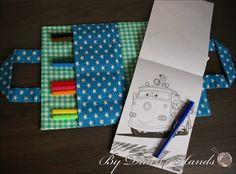 Teken tas voor kinderen, Sterren en strepen, blauw, groen. Voor onderweg in de auto of op vistite gemaakt door Carmen van ByDutchHands via Marktplaats