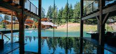 Sull'altopiano di Avelengo, un piccolo paesino a 1400 m vicino a Merano, sorge il San Luis – Private Retreat Hotel & Lodges, in una radura inviolata immersa in 40 ettari di parco alpino, at