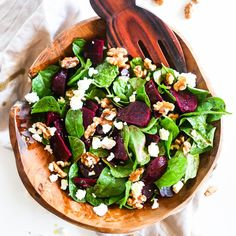 Are you trying to stick to Meat Free Monday? This beetroot, spinach and goat's cheese salad, courtesy of our Super will go down a treat. Beetroot Recipes Salad, Beetroot And Feta Salad, Salad Recipes, Spinach Goat Cheese Salad, Spinach And Feta, Baby Spinach, How To Cook Beetroot, Cooking Recipes, Healthy Recipes