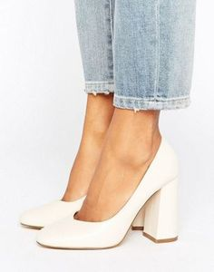 Lost Ink Freda Flared Block Heeled Shoes Lost Ink – Freda – Ausgestellte Schuhe mit Blockabsatz This image has get. Sock Shoes, Cute Shoes, Women's Shoes, Me Too Shoes, Shoe Boots, Shoes Sneakers, Cream Shoes, Block Heel Shoes, Wedding Shoes Block Heel