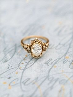 Princess Moissanite Engagement Ring Two Tone Gold Engagement Rings Leaf Moissanite Ring with Matching Band - Fine Jewelry Ideas Beautiful Wedding Rings, Wedding Rings Vintage, Wedding Jewelry, Victorian Engagement Rings, Vintage Wedding Photography, Vintage Diamond Rings, Beautiful Dream, Antique Rings, Vintage Rings