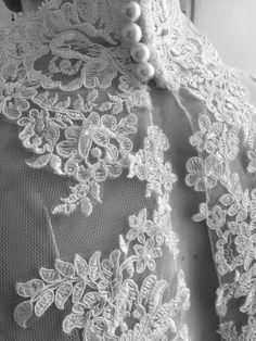 Making a wedding dress www.janvanderheijdenjr.nl