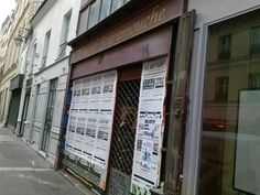 État actuel de la librairie Scaramouche 161, rue Saint-Martin (IIIe). Le commerce de bouche gris qui la jouxte vient lui aussi de fermer (photo VlM) Non loin du passage Molière, au 161 rue Saint-Martin (IIIe), la célèbre librairie Scaramouche spécialisée...
