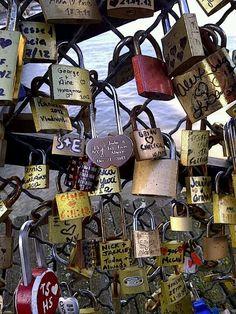 Love love Love Lock, Advent Calendar, Romantic, Holiday Decor, Wedding Ideas, Future, Home Decor, Future Tense, Decoration Home