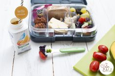 A week's worth of gluten-free vegan lunchboxes! Quick, easy and creative ideas for 5 days of GF vegan lunchboxes. Perfect for vegans, vegetarians, people with allergies, intolerances Coeliac or on an exclusion diet. You'll find a rainbow lunchbox, a cat-t