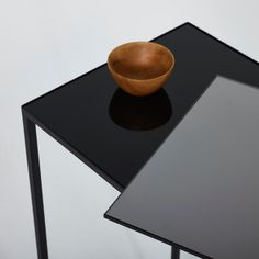 Console design avec miroir Console Metal, Console Style, Console Design, Etagere Design, Table, Black Glass, Tables, Desk, Tabletop