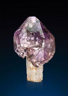 Quartz var.Amethyst Scepter - Lucken Kogel, Granatspitzgruppe, Kals, Osttirol, Austria Size: 2.9 x 1.7 x 1.4 cm