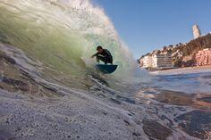 Reñaca surfing
