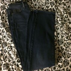 Levi's Slimming Straight Leg Blue Jeans Gently worn slimming straight leg Levi's blue jeans. No tears, rips, fading, ect. Levi's Jeans Straight Leg