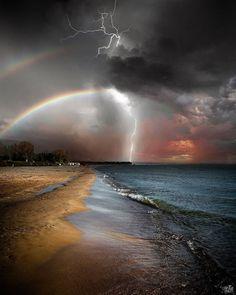 Sky Art Badass Pictures, Cool Photos, Beautiful Pictures, Amazing Photos, Rainbow Images, Lake Water, Sky Art, Sunset Photography, Rare Photos