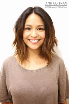 NEW YEAR, NEW LOOK. Cut/Style: Anh Co Tran • IG: @anhcotran • Appointment inquiries please call Ramirez|Tran Salon in Beverly Hills at 310.724.8167.  #hair #besthair #beachhair #johnnyramirez #highlights #model #ramireztransalon #sunkissedhighlights #bestsalon #beauty #lahair #brunette #blonde #highlights #caramel #salon #blondehair #beachyhair #beautifulhair #ramireztran #ramireztransalon #johnnyramirez #sexyhair