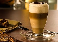 Latte Baileys Cocktail Recipes, Cocktails, Baileys Recipes, Baileys Irish Cream, Coffee Latte, Fun Drinks, Dandy, Spin, Liquor