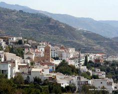 """#Granada - #Válor -  36º 59' 40"""" -3º 5' 29"""" / 36.994444, -3.091389  Válor, domina desde las alturas unos paisajes que contrastan el desértico, profundamente erosionado, con el verdor del valle de los campos que rodean a esta blanca localidad, patria de Abén Humeya."""