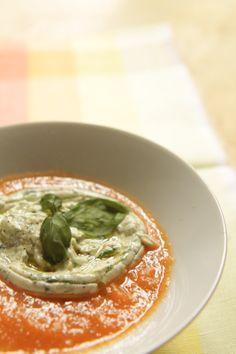 Cucina verde dolce e salata: CREMA di CAROTE al CURRY con SPUMA di TOFU all'ERBA CIPOLLINA e BASILICO