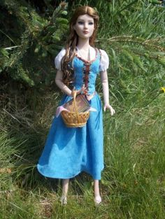 #New2DollDuels #dollchat About Belle: Vintage AM as Belle from ABCs Once Upon A Time. All made by me, by hand, except the basket and her original shoes.