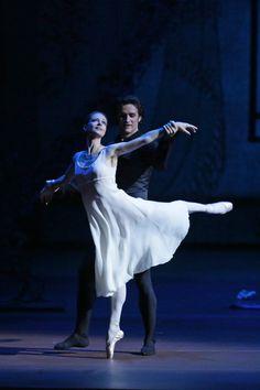 Nina Kaptsova and Ruslan Skvortsov in Onegin. Ballet Tights, Dance Tights, Ballet Tutu, Ballet Dancers, Shall We Dance, Lets Dance, Famous Dancers, All About Dance, Bolshoi Ballet